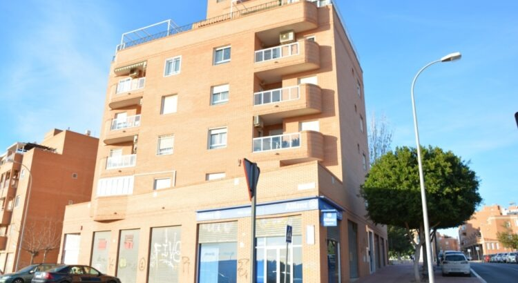 local comercial en C/Costa de la Luz, Almería-2